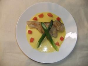 パプリカソースの白身魚のソテー